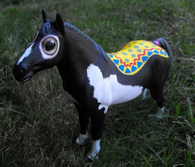 Art: Wibble the Wonder Horse by Artist Lindi Levison
