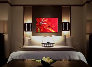 Detail Image for art RED AMARYLLIS ABSTRACT