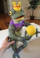 Art: Frog Prince - needle felted by Artist Ulrike 'Ricky' Martin