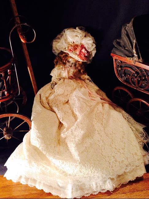 Art: Lady Lucielle by Artist Vyckie Van Goth