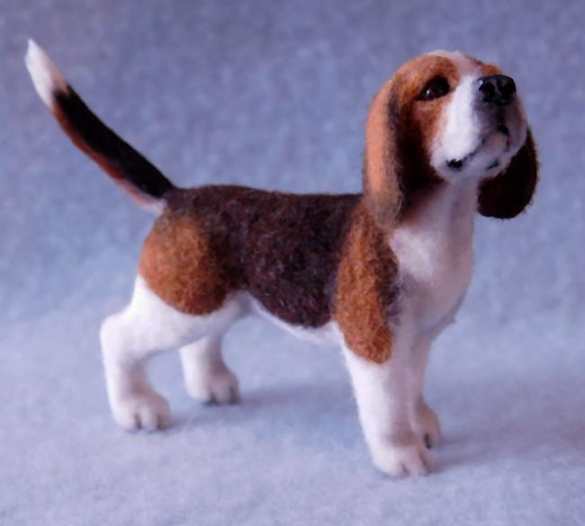 Art: 1/12th Dollhouse Scale Beagle by Artist Camille Meeker Turner