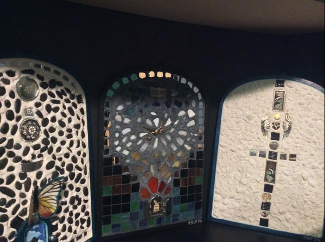 Art: Mosaics by Artist Vic Ki Lynn