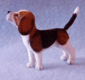 Detail Image for art 1/12th Dollhouse Scale Beagle