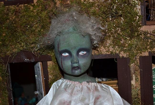 Art: Shane, The Harlequin Zombie by Artist Vyckie Van Goth