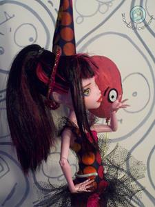 Detail Image for art Georgine & Rufus Monster High Repaint