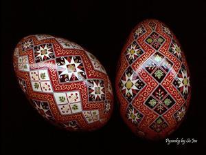 Detail Image for art Black Stacking Diamonds Pysanka
