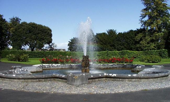 Art: Fountain with Roses by Artist Jenny Doss
