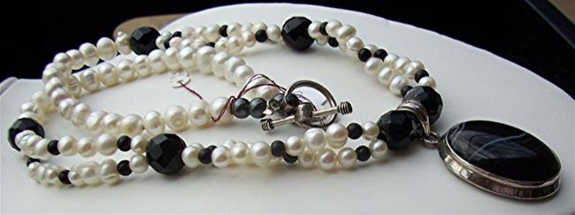 Art: Pearl and Onyx Necklace by Artist Ulrike 'Ricky' Martin
