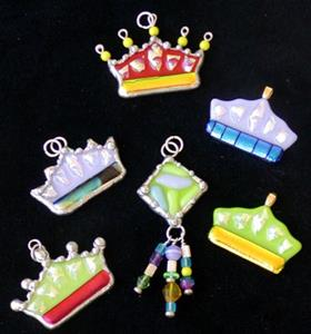 Detail Image for art Crown Pendant