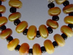 Detail Image for art BG Morrow LAMPWORK Handmade Glass Art 30 Beads D252 SRA