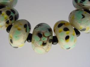 Detail Image for art BG Morrow LAMPWORK Handmade Glass Art 9 Beads D292 SRA