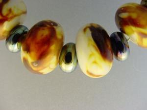 Detail Image for art BG Morrow LAMPWORK Handmade Glass Art 19 Beads D145 SRA