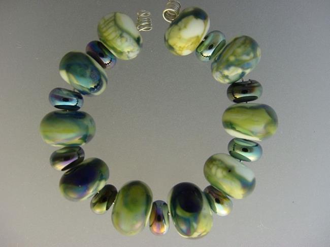 Art: BG Morrow LAMPWORK Handmade Glass Art 19 Beads D146 SRA by Artist Bonnie G Morrow