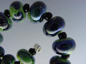 Detail Image for art BG Morrow LAMPWORK Handmade Glass Art 17 Beads D276 SRA