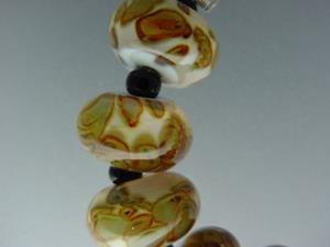 Detail Image for art BG Morrow LAMPWORK Handmade 14-15mm Glass 10 Beads D395