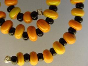 Detail Image for art BG Morrow LAMPWORK Handmade Glass Art 32 Beads D203 SRA