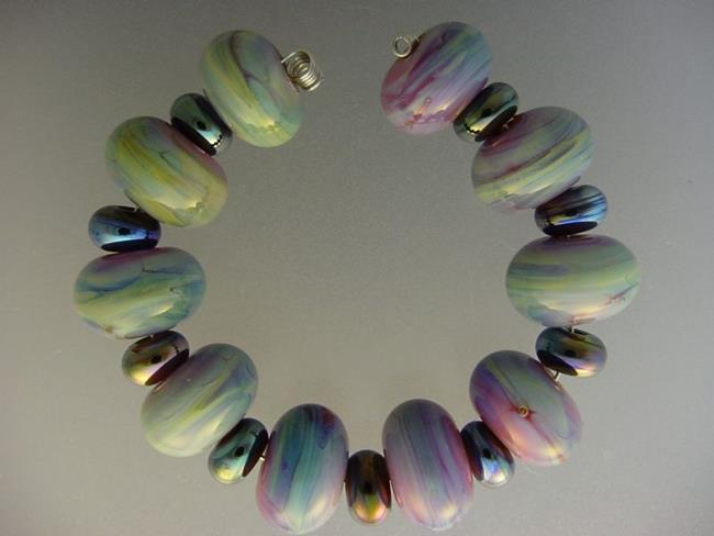 Art: BG Morrow LAMPWORK Handmade Glass Art 19 Beads D152 SRA by Artist Bonnie G Morrow