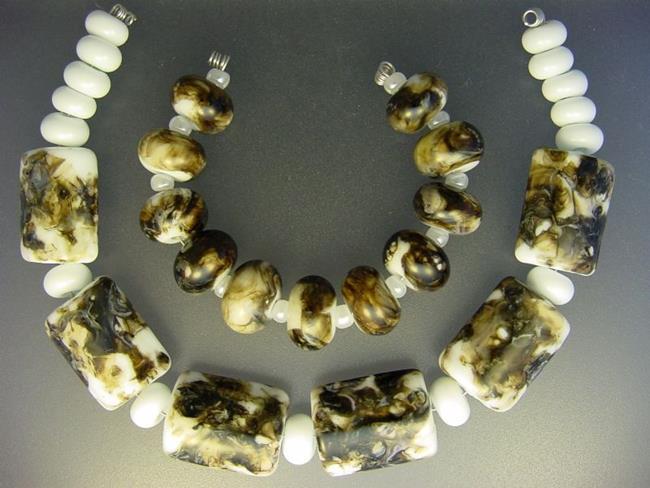 Art: BG Morrow LAMPWORK Handmade Glass Art 32 Beads D55 SRA by Artist Bonnie G Morrow