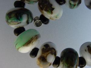Detail Image for art BG Morrow LAMPWORK Handmade Glass Art 22 Beads D195 SRA