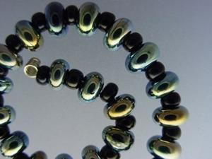 Detail Image for art BG Morrow LAMPWORK Handmade Glass Art 31 Beads D264 SRA