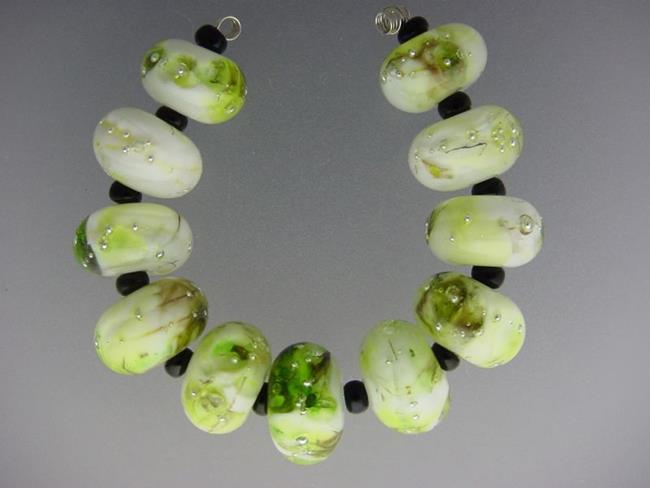 Art: BG Morrow LAMPWORK Handmade 14-15mm Glass 11 Beads D303   by Artist Bonnie G Morrow