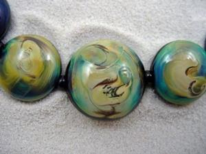 Detail Image for art Ambrosia Arts *IN HER EYES* Lampwork 7 Beads Handmade - SOLD