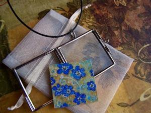 Detail Image for art <b>Forget Me Not ~ Glass Locket Pendant & Necklace