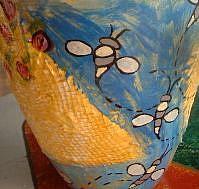 Detail Image for art Queen Bee Vase