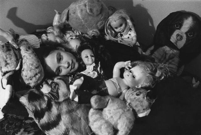 Art: Girl With Dolls by Artist Virginia Ann Zuelsdorf