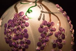 Detail Image for art 2010 Dragonfly Ball - Grapes - 12