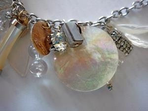 Detail Image for art SPECIAL EYE NECKLACE MODELED