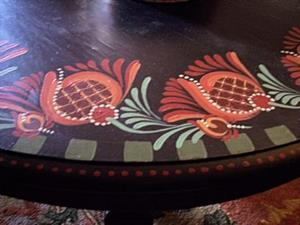 Detail Image for art Tulip Table