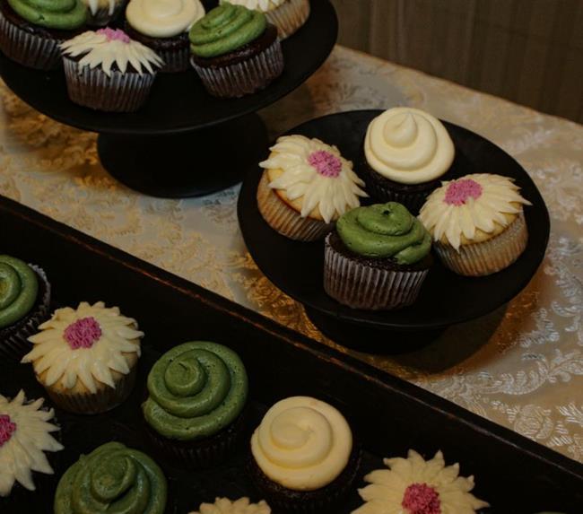 Art: Cupcakes by Artist Lisa Miller